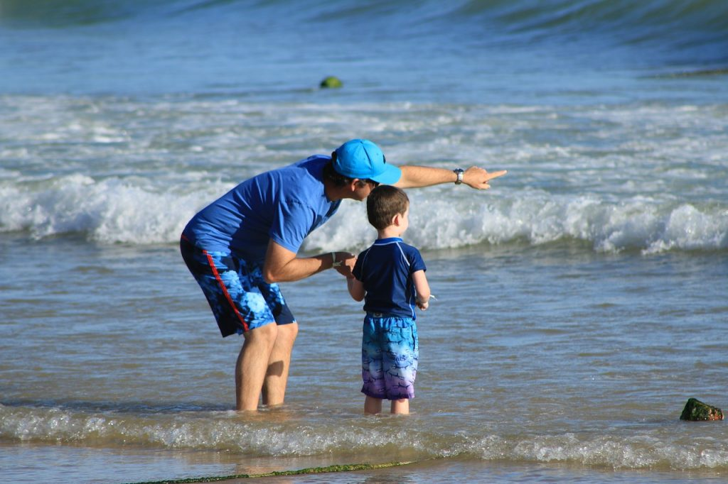 personalised jigsaw puzzle idea father and son at beach